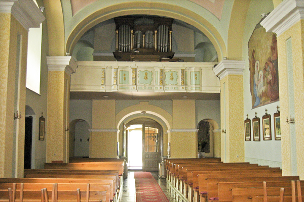 The rear of the church and the organ.
