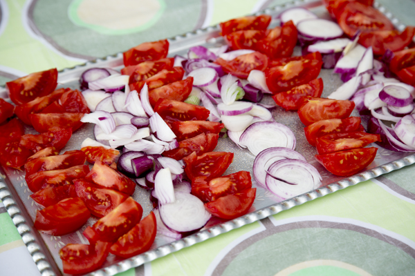 Red onions and tomatoes are the perfect accompaniment for the szalonna.